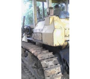 Bulldozer Komatsu de oruga D53A- Hp, con pala angular