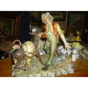 Figura De Porcelana Capodimonte Made In Italy Viejo Trabaja