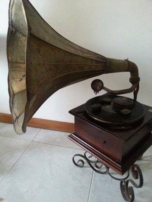 Gramófono Antiguo Siglo Xix En Funcionamiento De Colección