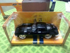 Carro De Colección Chevy Corvette Sting Ray, Escala 1:24