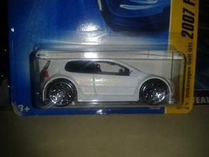 Carros Hot Wheels Volkswagen Golf  En Su Blister