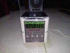 Radio Am Fm Tiene La Hora Recargable Alarma Portatil