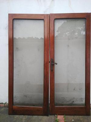 Bibliotecas con puertas de vidrio y madera de2 posot class for Puertas con vidrio y madera