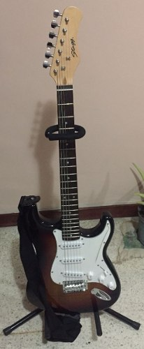 Guitarra Eléctrica Stagg Nueva De Paquete Con Amplificador