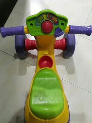 Triciclo Fisher Price