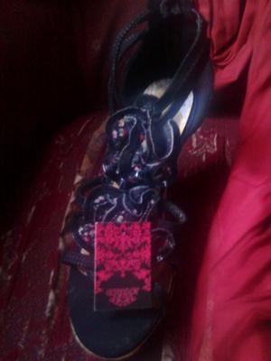 se vende sandalias nuevas