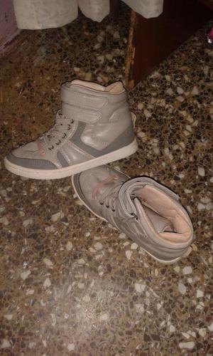 zapatos,zapatillas ZARA de niña
