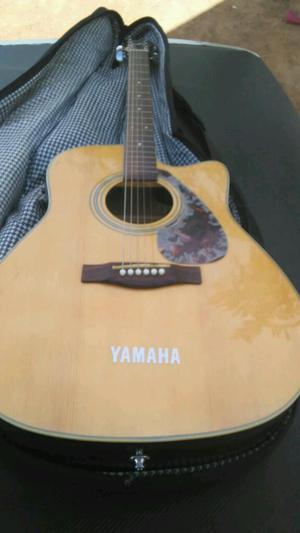 Guitarra Electro Acustica Yamaha