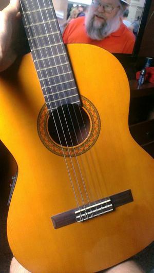 Guitarra Yamaha Electro Acústica