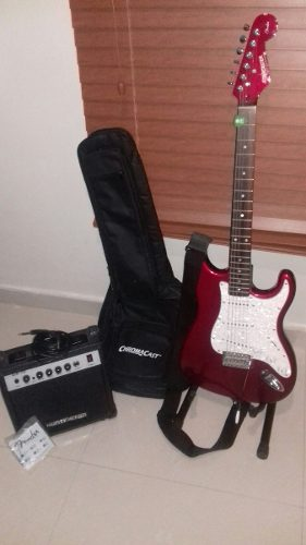 Guitarra Electrica Fender Starcaster Strat Amplificador Forr