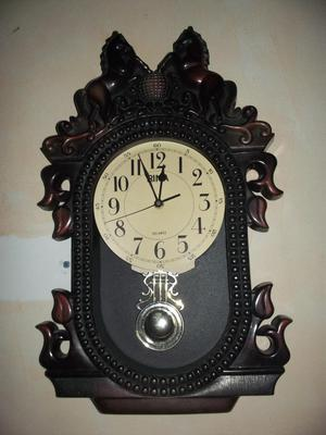 Reloj antiguo con pendulo de pared caracas posot class for Reloj de pared con pendulo