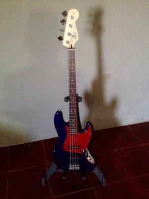 Bajo Squier By Fender Impecable Con Funda, Cable Y Guinda