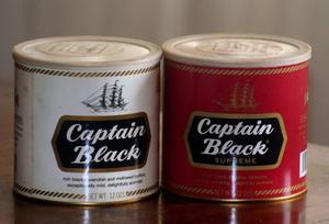 Vendo Dos Latas De Picadura De Pipa, Marca Captain Black