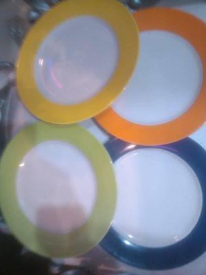 Porta platos elegantes color bronce set de posot class for Set de platos