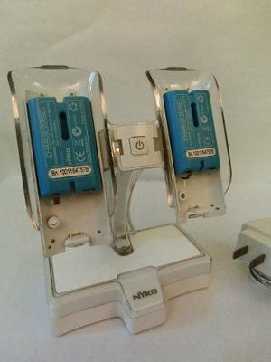 Base De Carga Magnética (nyko) + 2 Baterías Para Mando Wii