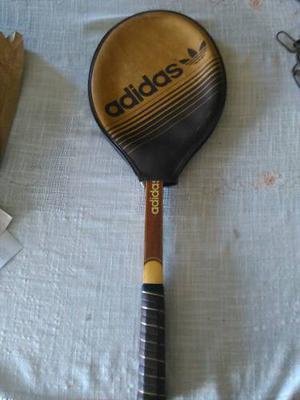 Raqueta De Tenis Adidas Antigua Colección