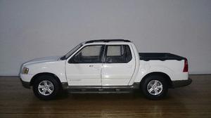 Ford Explorer Sport Trac Maisto 1/18