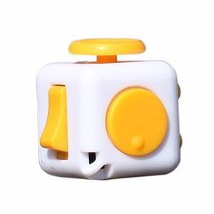 Cubo Antiestres Ansiedad Fidget Cube Blanco Con Amarillo