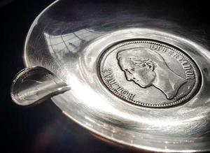 Moneda De Plata De  De 5 Bs 25g Lei 900 En Cenicero
