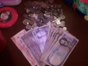 VENDO VARIOS BILLETES Y MONEDAS 10 MIL PAYA POR APURO