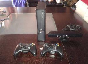 Xbox 360 Slim Con 2 Controles Kinect Y Un Juego Original