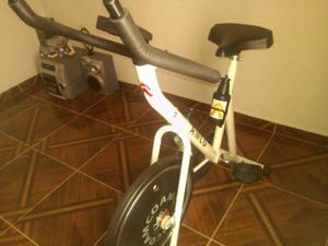 Bicicleta De Ejercicios Amco, Con Todos Sus Accesorios