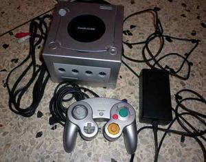 Nintendo Gamecube Plata Para Reparar Con Cables Y Un Control