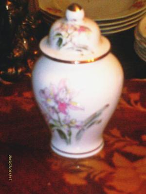 Envase Con Tapa De Porcelana Japonesa Color Blanco Dibujo De
