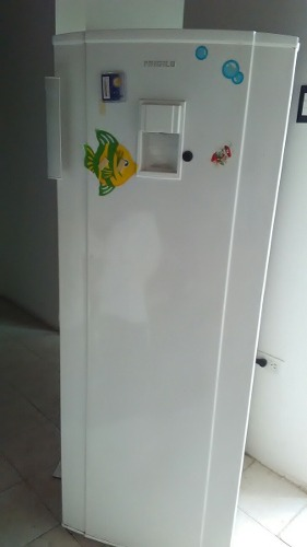 Nevera Frigiylux Con Dispensador De Agua Modelo 265