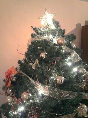 Arbolito Navidad!remate!se Vend Con Toda 1 Decoración