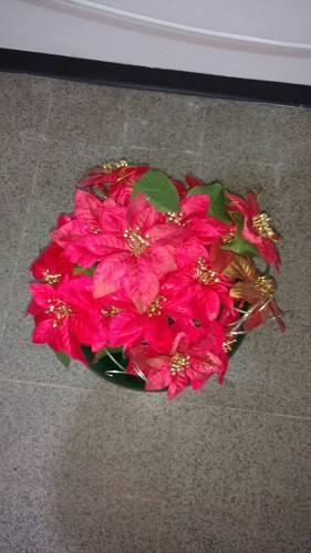 Ramos De 10 Flores Navideñas