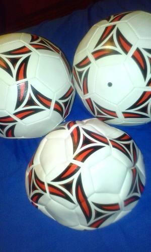 Balón De Fútbol Para Grama Talla 5.