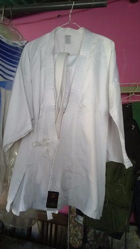 Kimono Bushido Talla 0 Y 1 El Mono Con Cinturón Blanco