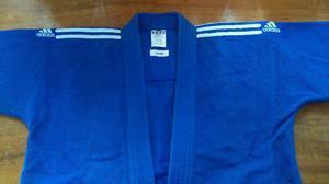 Kimono / Gi. Jiu Jitsu / Judo. Adidas. Talla 150 Cm / A1.