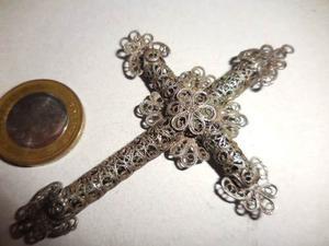 Antigua Cruz De Metal En Filigrana