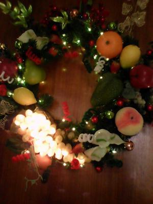 Corona de frutas de navidad