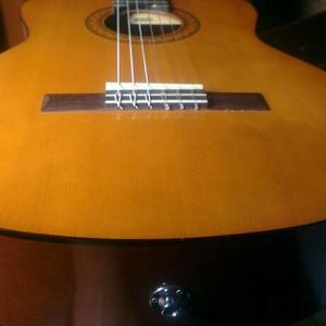 Vendo Guitarra Yamaha Electro Acústica