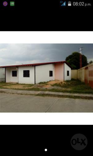 Casa de Urbanizacion