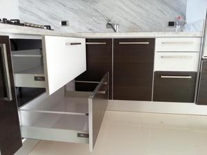 Cocinas para todos los presupuestos negro posot class for Cocinas y closets