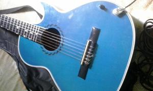 Guitarra electro acustica con forro