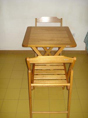Juego De Sillas Plegable C/mesa En Madera Tramontina