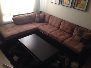 Mueble largo moderno con puerta gratis posot class for Muebles l moderno