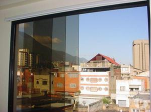 Oferta de ventanas panorámicas con acabados de lujo.