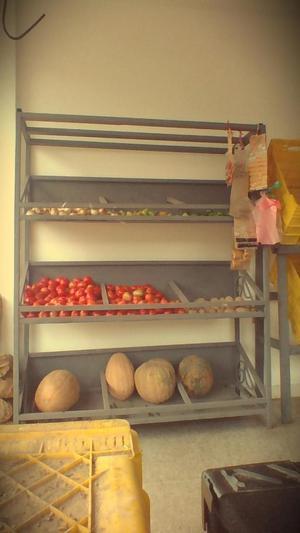 estantes para frutas y verduras