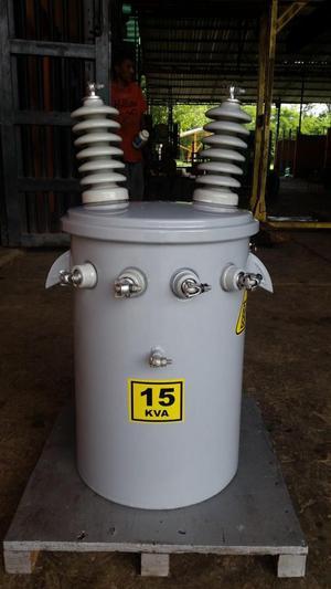 A la venta transformador de 15 kva trifasico.