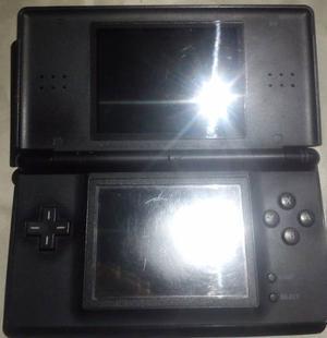 Nintendo Ds Lite Negro, Funcional, Usado Con Cargador.