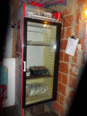 Vendo Nevera De La Cocacola Con Motor Dañado