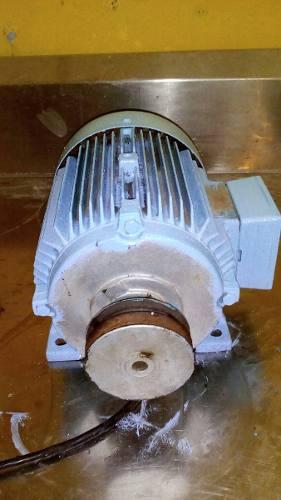 Motor De 5 Hp Y Otro De 1/2 Caballo