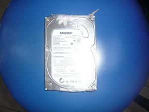 vendo disco duro maxtor de 320gb sata listo para usar.