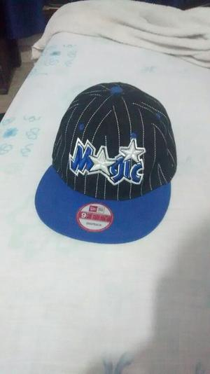 Gorra Magic New Era